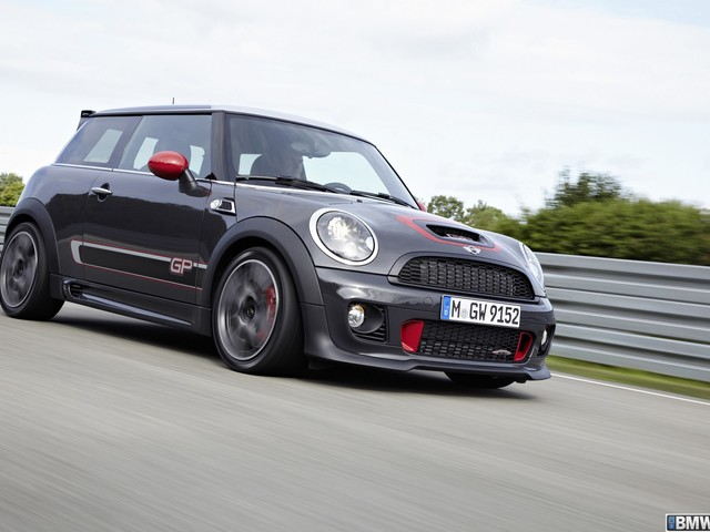 VIDEO: Modified John Cooper Works MINI GP on The Smoking Tire