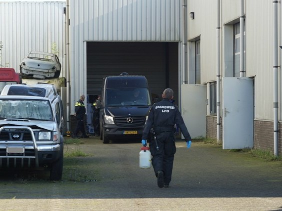Tientallen invallen tijdens grote anti-drugsactie: recordvangst xtc-grondstoffen