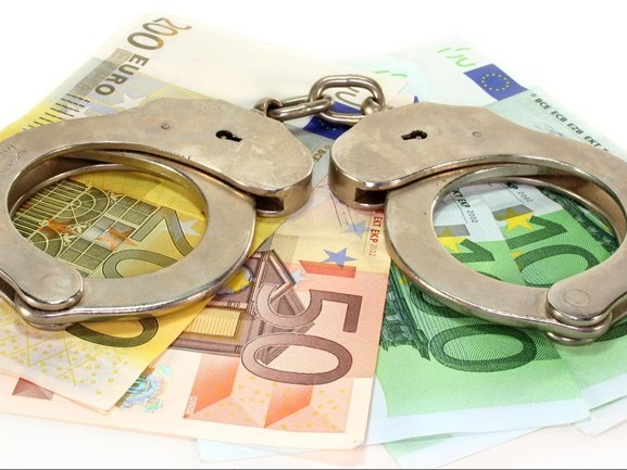 Frauderende penningmeester moet ruim vier ton terugbetalen