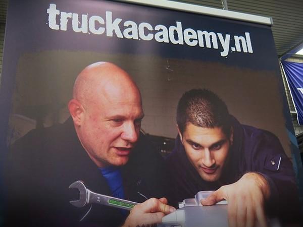 ROC Twente en Deltion Zwolle starten Truckacademy