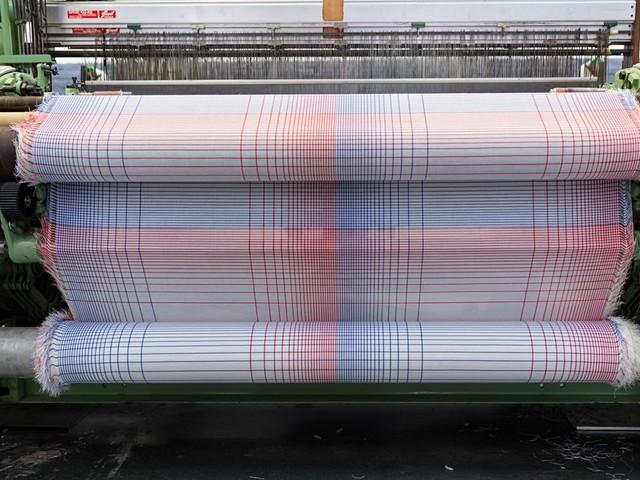 Weefsels, breisels en kleurexperimenten: expositie over Bauhaus textielontwerpers is een walhalla voor de kenner