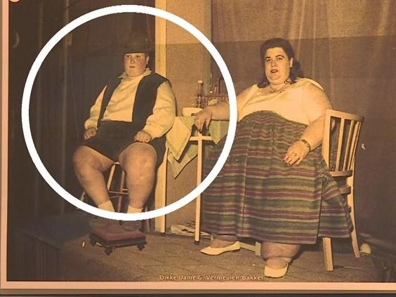 De dikke dame van de Tilburgse kermis was geen dame, maar een dikke jongen [VIDEO]