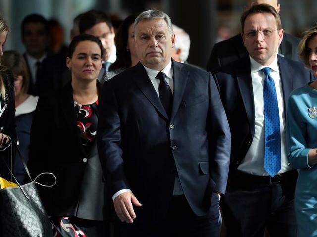 Premier Orbán trekt Europarlementariërs terug uit EVP-groep
