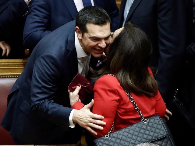 Tsipras nog niet uit de brand na Macedonië-kwestie
