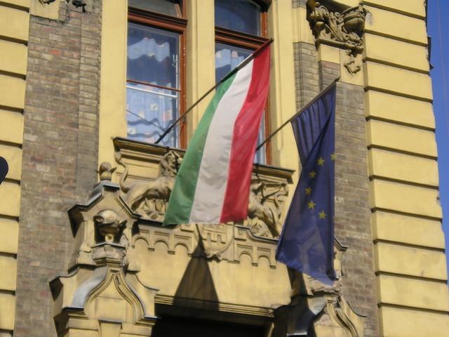 EU voorzichtig met strafprocedure Hongarije