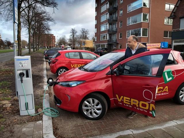 Lessen in een elektrische auto: 'De hele rij-ervaring is anders'