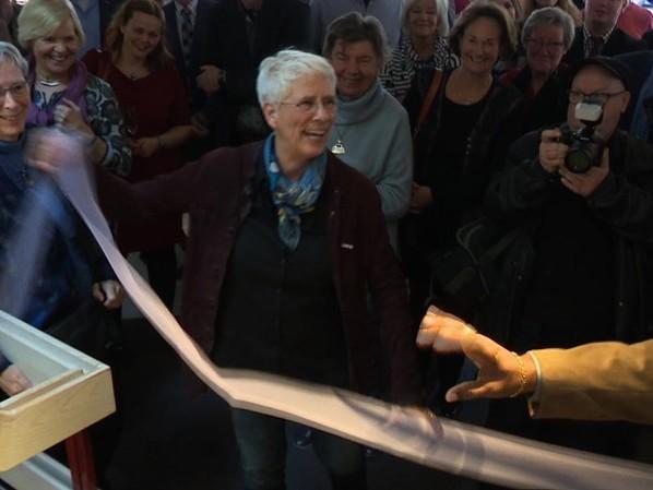 Film over het leven en werk van glaskunstenaar Annemiek Punt beleefd première in Haaksbergen