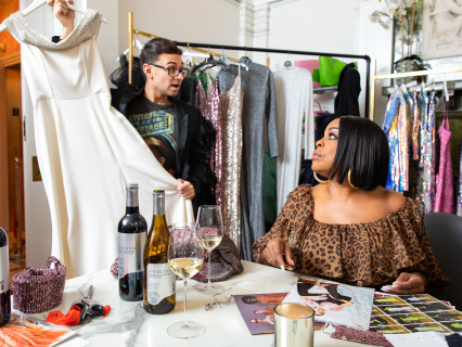 BTS: Emmy Nominee Niecy Nash Plots Her Awards Outfit Options With Christian Siriano [Photos]