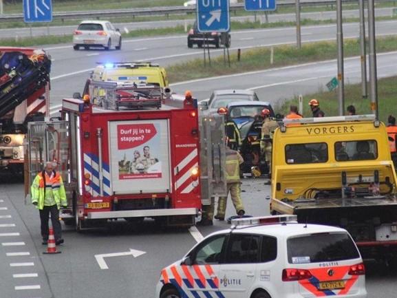Bestuurder gewond bij eenzijdig ongeval op A35 bij Borne
