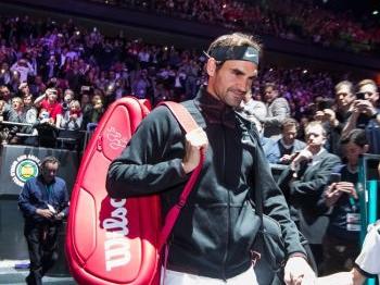 Federer met moeite door in Rotterdam