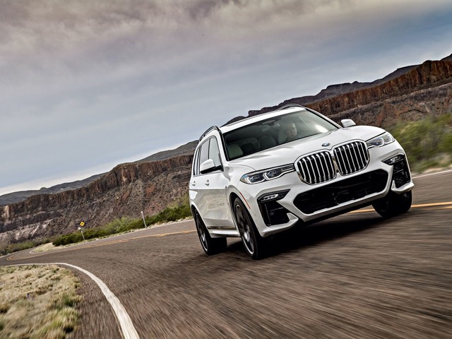 VIDEO: Carwow drives the BMW X7