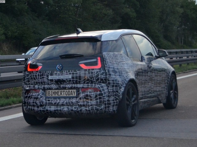 2018 BMW i3 S seen on the Autobahn