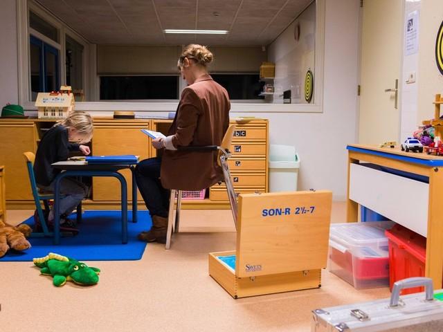 Meer jongeren worden uit huis geplaatst, maar minder krijgen te maken met jeugdreclassering