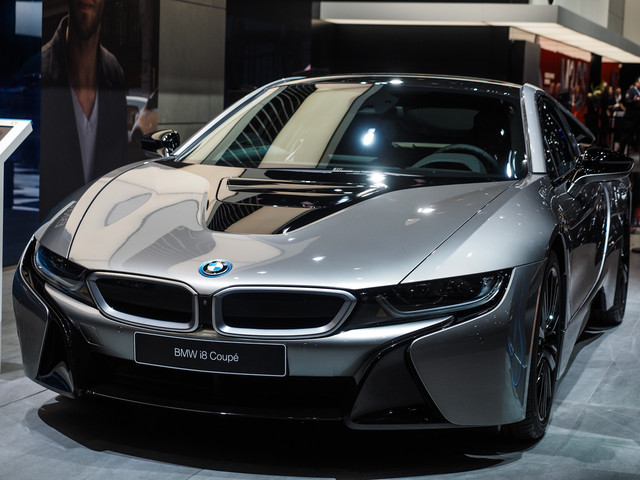 2018 Detroit Auto Show: BMW i8 Coupe LCI Facelift