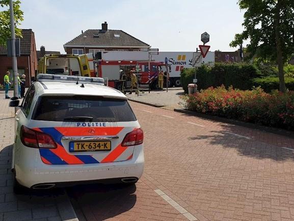 Twee gewonden bij aanrijding tussen auto en vrachtwagen in Goor