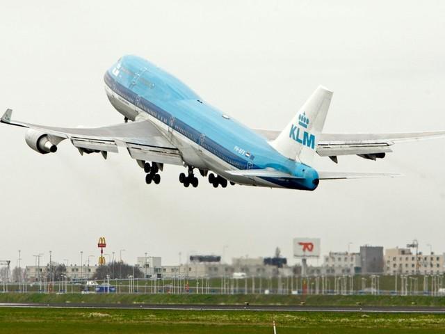 Advies: breng het aantal nacht- en budgetvluchten op Schiphol drastisch terug