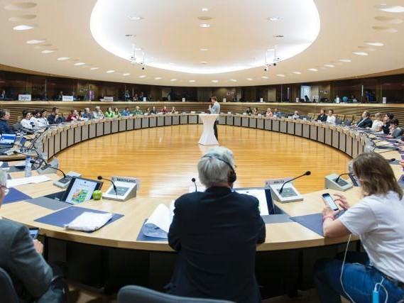 Europese groenen eisen vier EU-commissarissen