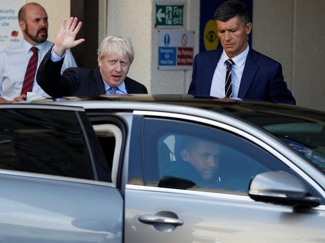 Premier Johnson wacht lauw onthaal bij vuurdoop op Europees toneel