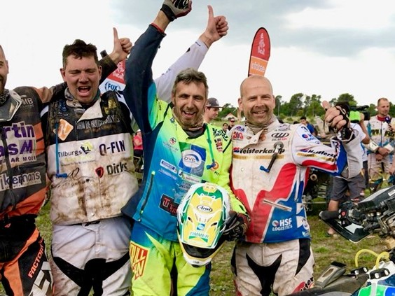 De Dakar Rally zit er bijna op: 'Ik ben helemaal kapot' [VIDEO]