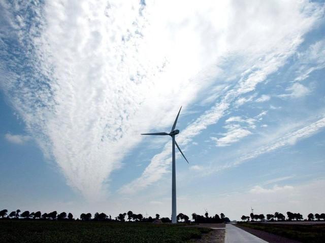 Het Rijk wil windmolens en zonnepanelen op overheidsgrond