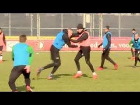 Vechten op de training van Feyenoord: Van Beek vs. Berghuis