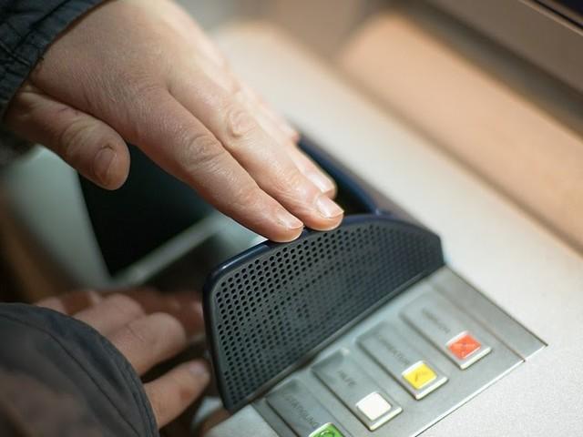 ING biedt klanten korting om geen contant geld op te nemen