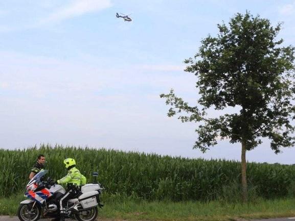 Klopjacht op motorrijder, politie omsingelt urenlang maisveld in Haaren