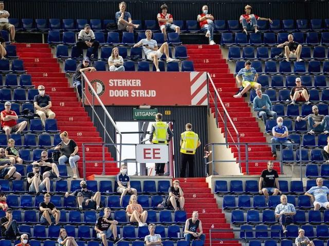 Aantal toeschouwers bij Feyenoord-Sparta zondag fors teruggebracht tot 3000
