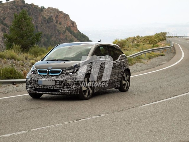 2018 BMW i3 S out for a ride in Spain