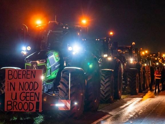 Boeren opnieuw de weg op en strijdvaardiger dan ooit: 'Wij laten ons niet zomaar kisten'
