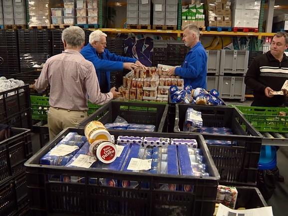 Voedselbanken krijgen steeds meer klanten: 'Net zo erg als tijdens de crisis'