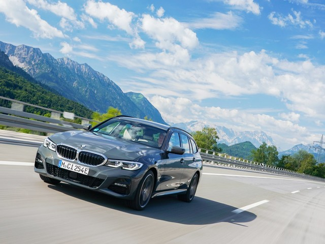 BMW 330e Touring vs Peugeot 508 PSE — A New Hybrid Competitor for BMW?
