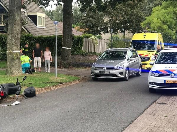 Aanrijding tussen auto en scooter in Almelo