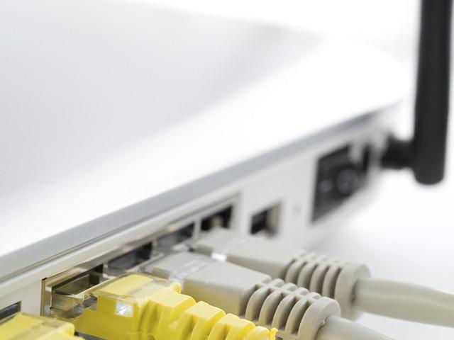 Politie haalt netwerk van honderden illegale modems uit de lucht