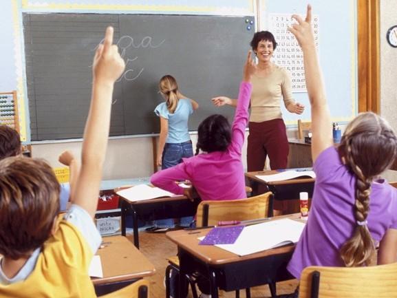 Minder scholieren in Overijssel blijven langdurig thuis zitten