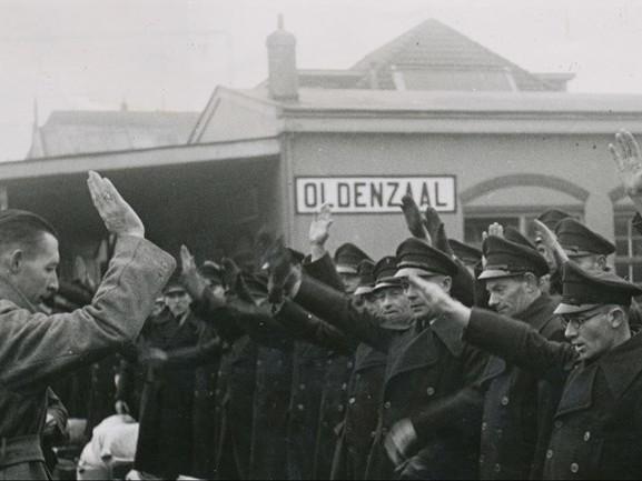 Welke foto uit de Tweede Wereldoorlog maakt het meest indruk op jou?