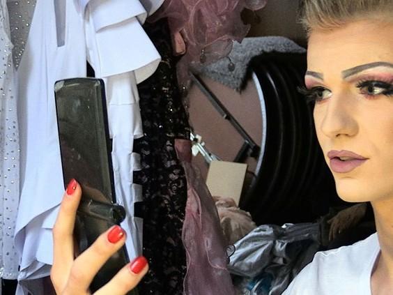 'Neem extra deo mee', dragqueens bereiden zich voor op bloedhete Roze Maandag