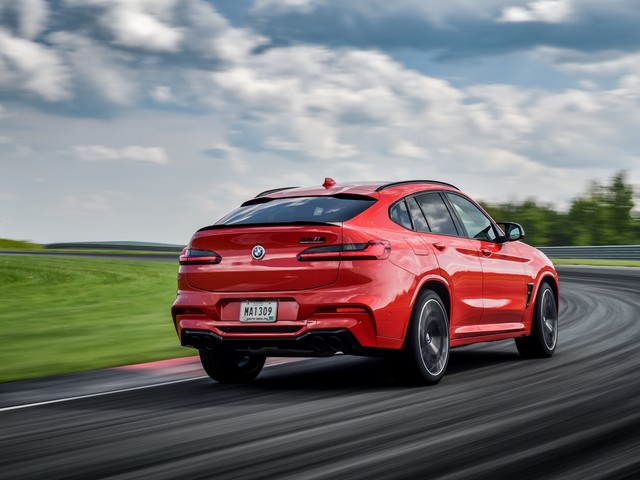 The new BMW X4 M Competition runs from 0-62 mph (100 km/h) in 3.8 seconds!