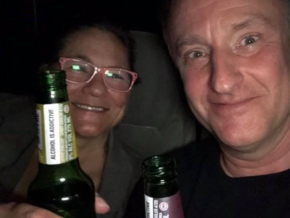 Ewald en Helen werden bruut overvallen door 9 mannen in Zuid-Afrika, 'We hebben helemaal niets meer'