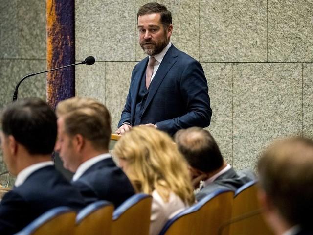 Dijkhoff trapt op de rem: niet 'als een malle' geld uitgeven aan het klimaat
