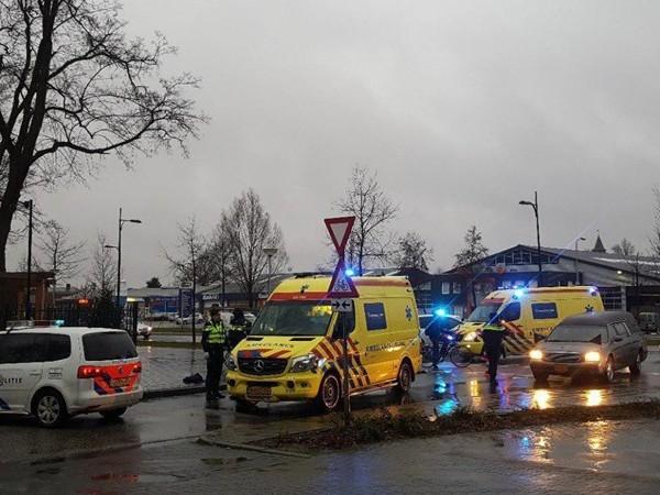 Fietser ernstig gewond bij aanrijding met auto in Rijssen