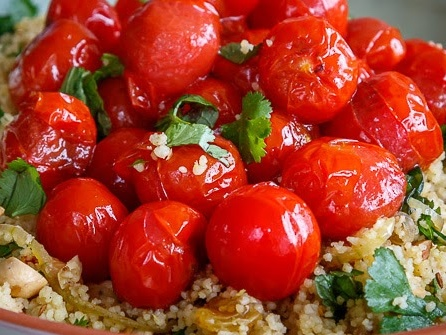 Couscoussalade met cherrytomaatjes en kruiden