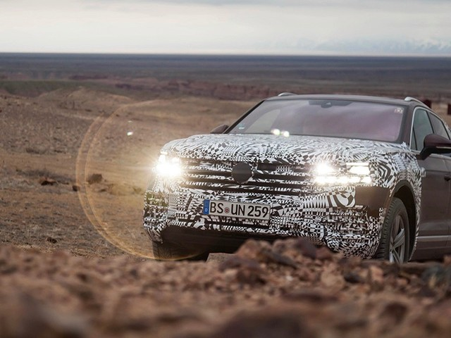 2019 Volkswagen Touareg shows off in more teasers