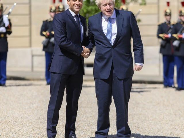 Johnson balt zijn vuist: 'Laat het duidelijk zijn dat ik een deal wil'