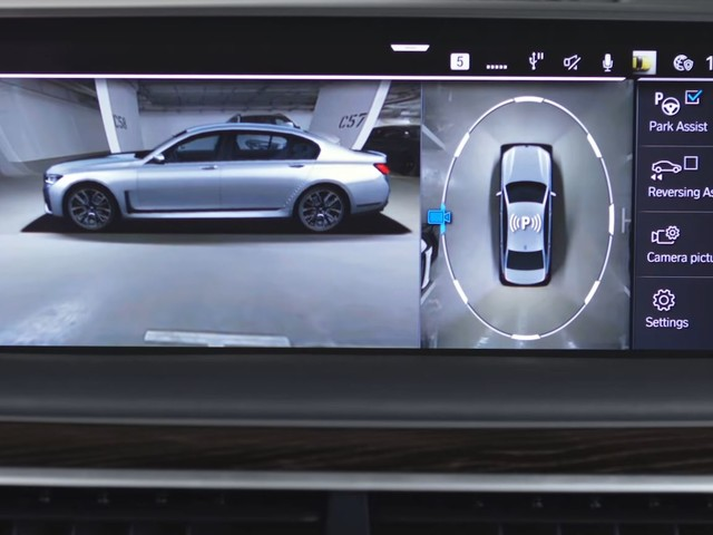 Video: BMW Explains How Surround View Cameras Can Be Used