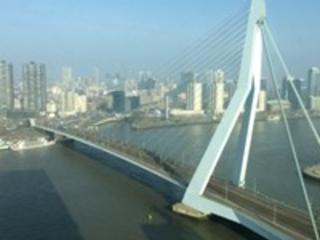 Roer moet radicaal om in Rotterdam