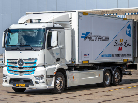 Mercedes-Benz eActros electric trucks moving to Rotterdam and The Hague