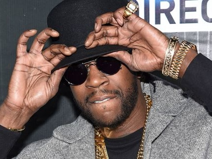 Mo Money: 2 Chainz Check Outs Out The Most Expensivest Horses With Mark Cuban [Video]