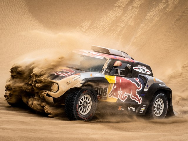 Dakar Stage 9 Sees Peterhansel Dropping Out, Roma Still Second Overall