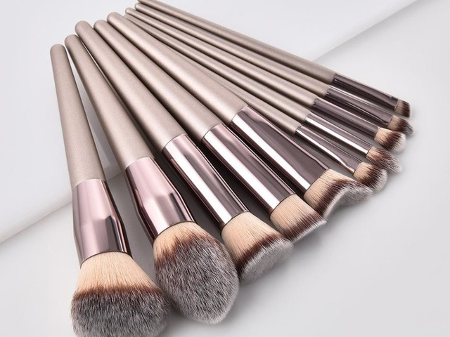 How to Clean Makeup Brushes?-Step by Step Tutorial